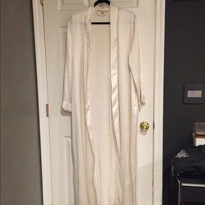 Victoria's Secret long white robe💕